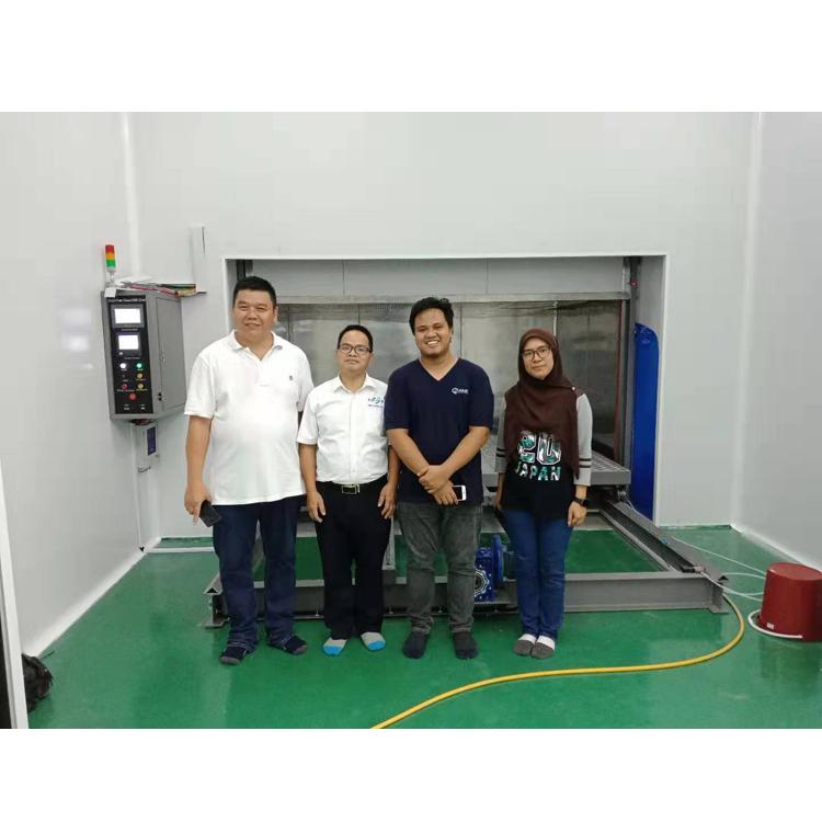 马来西亚现场安装及培训大型1000级无尘烤箱